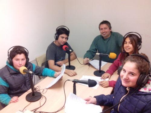 A pura radio !! alumnos y profesores de la EEST 1 siguen compartiendo sus trabajos en el aire de Radio E.C.O