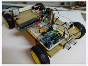 Vehículo controlado por Arduino ONE